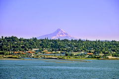 Hood river and mountain Royalty Free Stock Photography
