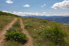 Hood River Mountain Loop Trail op zeer winderige dag oregon stock fotografie