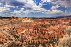 Hoodoos inspiraci punktu Bryka jaru park narodowy Utah Zdjęcie Royalty Free