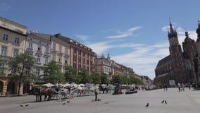Hoofd de Marktvierkant van Krakau bij zomer stock video