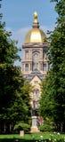Hoofd het pleinarchitectuur van Notre Dame Stock Afbeelding