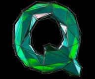 Hoofd Latijnse brief Q in lage polystijl groene die kleur op zwarte achtergrond wordt geïsoleerd Stock Foto's