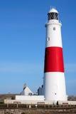 Hoofd rode en witte vuurtoren op Portland dichtbij Weymouth in Dorse Royalty-vrije Stock Foto's