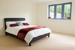 Hoofd slaapkamer met ensuite royalty-vrije stock afbeeldingen