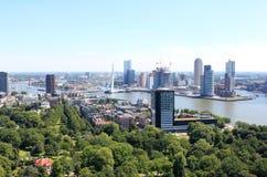Hoofd van zuiden en Erasmusbridge, Rotterdam, Holland Royalty-vrije Stock Foto