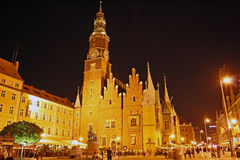 Hoofd vierkant in Wroclaw (Polen) bij nacht Royalty-vrije Stock Fotografie