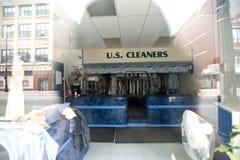 Hoofdartikel, Chicago, IL 6 Mei, de het chemisch reinigendienst van 2012 op straat van Chicago Royalty-vrije Stock Afbeeldingen