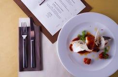 Hoofdgerecht in gastronomische stijl stock foto