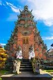 Hoofdingang van de tempel van het land in Bali, Indonesië Royalty-vrije Stock Foto's