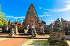 Hoofdingang van de tempel van het land in Bali, Indonesië Stock Fotografie