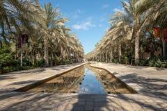 Hoofdparksteeg en watereigenschap, Abu Dhabi royalty-vrije stock foto