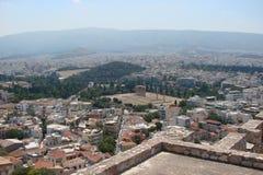 Hoofdstad van Athene Griekenland 06 16 2014 Het landschap van de stad van oud Athene van de hoogte van de Akropolisheuvel royalty-vrije stock afbeelding