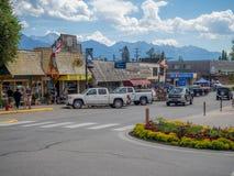 Hoofdstraat in de stad van Invemere Stock Fotografie