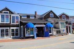 Hoofdstraat die centrum van kuststad doornemen, Perkins Cove, Maine, 2016 royalty-vrije stock foto's