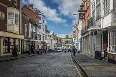 Hoofdstraat, Guildford Surrey, het UK Stock Foto's