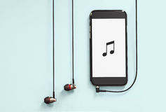 Hoofdtelefoons met Apparaat Royalty-vrije Stock Fotografie