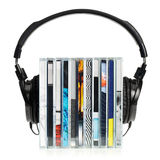 Hoofdtelefoons op stapel CDs Royalty-vrije Stock Foto's