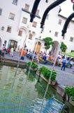 Hoofdvierkant van de Castelrotto het oude stad Stock Afbeeldingen