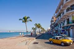 Hoofdweg in Puerto Vallarta royalty-vrije stock afbeelding