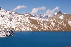 Hoog-bergachtig meer Tilicho Royalty-vrije Stock Foto