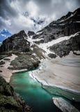 hoog bergmeer in de Franse alpen Royalty-vrije Stock Foto's