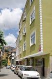 Hoog - dichtheidshuisvesting in Balaat, Istanboel Stock Afbeelding