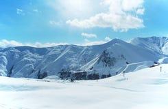 Hooggebergte onder sneeuw stock afbeelding