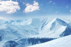 Hooggebergte onder sneeuw stock afbeeldingen