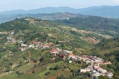 Hooglanddorp bij de berg van Doi Mae Salong, Chiangrai, Thailand Stock Foto