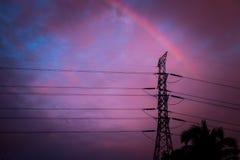 Hoogspanning bij zonsondergang Royalty-vrije Stock Afbeeldingen