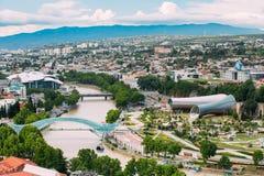 Hoogste Cityspape-Mening van de Zomercentrum van Tbilisi, Georgia With All Stock Foto's
