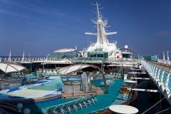 Hoogste dek van cruiseschip Stock Fotografie