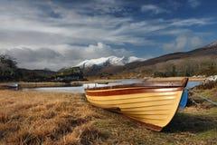Hoogste Ierse die bergen met sneeuw worden behandeld Royalty-vrije Stock Afbeeldingen