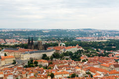 Hoogste mening aan oude stad van Praag Royalty-vrije Stock Afbeeldingen