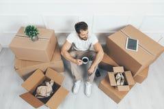 Hoogste mening Het bewegen zich in een nieuw huis stock afbeelding
