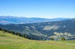 Hoogste mening over de bergen van de Pyreneeën Stock Afbeeldingen