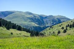 Hoogste mening over de bergen van de Pyreneeën Stock Foto's
