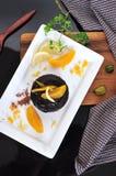 Hoogste Mening van Chocolade Lava Cake op Plaat Royalty-vrije Stock Fotografie