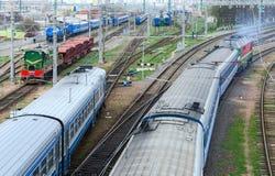 Hoogste mening van de bewegende treinen, Gomel, Wit-Rusland Stock Foto