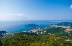 Hoogste mening van de zeekust van Budva, Montenegro Royalty-vrije Stock Foto's