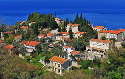 Hoogste mening van een kleine stad in Montenegro Stock Afbeelding