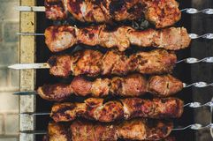 Hoogste mening van het koken shashlik Stock Fotografie