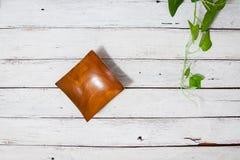 Hoogste mening van houten kom op houten achtergrond Royalty-vrije Stock Foto