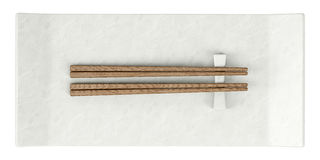 Hoogste mening van lege die sushischotel met eetstokjes op wit wordt geïsoleerd Royalty-vrije Stock Foto