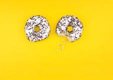 Hoogste Mening van twee donuts royalty-vrije stock fotografie