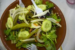 Hoogste Mening van Verse salade royalty-vrije stock afbeeldingen
