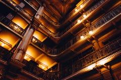 Hoogste niveaus van de Peabody-Bibliotheek in Mount Vernon, Baltimore, royalty-vrije stock foto's