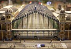 Hoogtepunt van de trein het centrale post - mening in een miniatuurwereldopstelling stock afbeeldingen