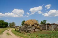 Hooiberg in het dorp Stock Foto