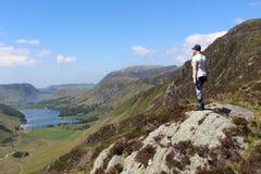 Hooibergen aan het Water Cumbria van Buttermere en Crummock- Stock Foto's